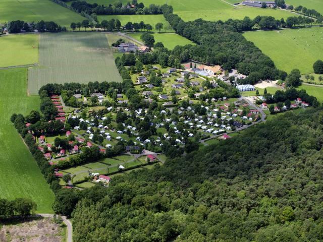 Luchtfoto camping De Luttenberg
